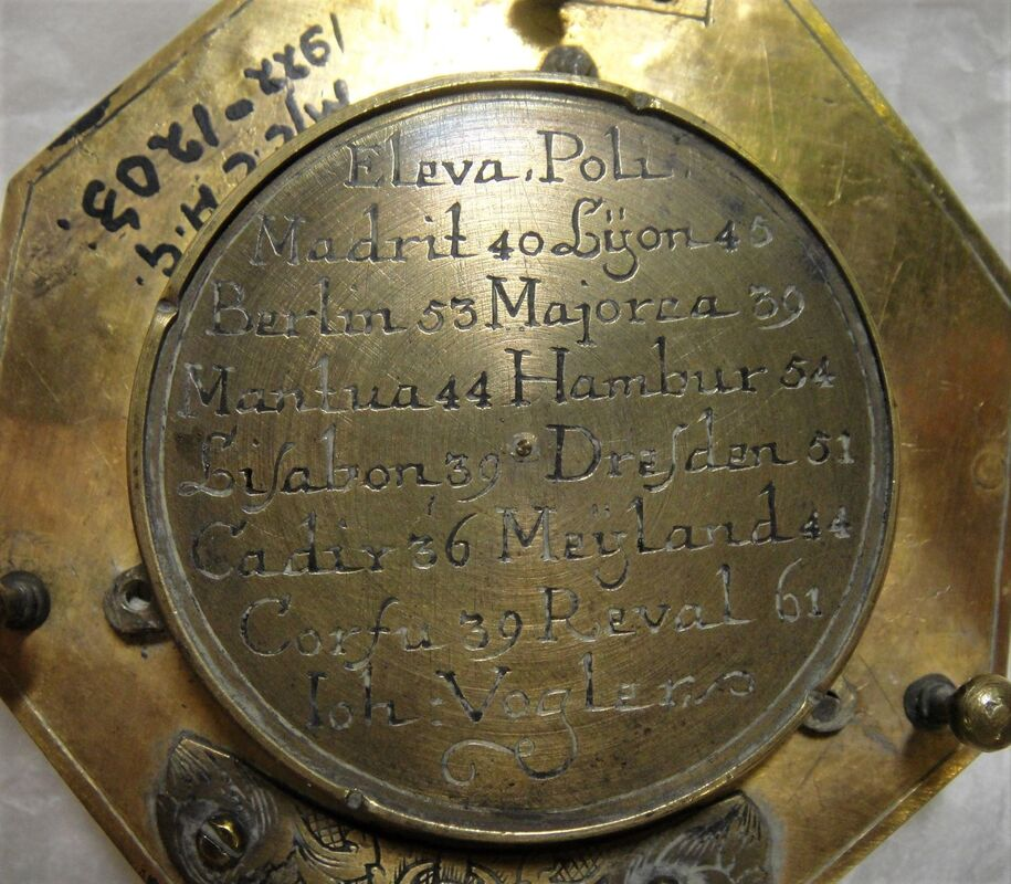 Reverse of equatorial dial, brass, made by Johan Georg Vogler, Germany, 1700-1750.